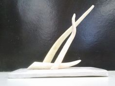 Escultura feita em acrílico  feita por 5 alunos de Arquitetura e Urbanismo .