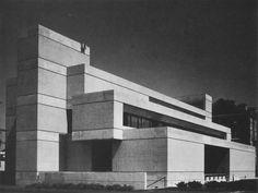 Harvard Business Review Building, Cambridge, Massachusetts, 1970. http://fuckyeahbrutalism.tumblr.com/post/99333275792/harvard-business-review-building-cambridge