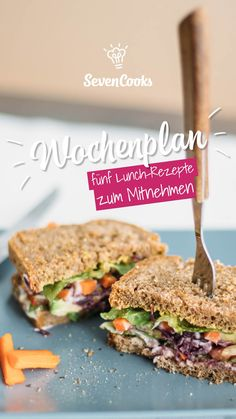 Through the week with SevenCooks: 5 lunch recipes to take away .-Durch die Woche mit SevenCooks: 5 Lunch-Rezepte zum Mitnehmen These 5 lunch dishes are perfect to take away! So you can enjoy your lunch break healthy and balanced! Lunch Snacks, Vegan Snacks, Lunch Recipes, Seafood Recipes, Chicken Recipes, Healthy Recipes, Food To Go, Food And Drink, Salat Al Fajr