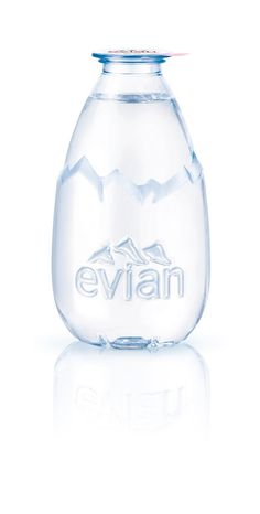 La Goutte d'evian evian packaging designed by Grand Angle Design… Water Packaging, Honey Packaging, Beverage Packaging, Bottle Packaging, Brand Packaging, Kids Packaging, Blister Packaging, Product Packaging, Evian Water Bottle