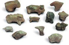 Gliniane figurki zwierząt z epoki brązu (grupa pleszowska i kultura Otomani-Füzesabony). Trzcinica, Polska
