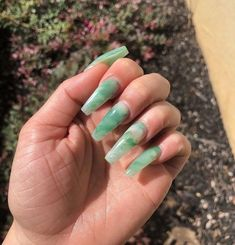 In search for some nail designs and some ideas for your nails? Here's our set of must-try coffin acrylic nails for stylish women. Jade Nails, Aycrlic Nails, Nails 2018, Manicures, Emerald Nails, Soft Nails, Simple Nails, Glitter Nails, Best Acrylic Nails