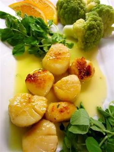 Seared Scallops with Citrus Beurre Blanc
