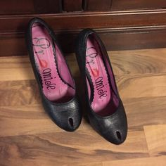 "Promise Heels Size 7 black Promise heels.  5"" heel with 1 1/2"" platform.  Item# S136. Promise Shoes Heels"