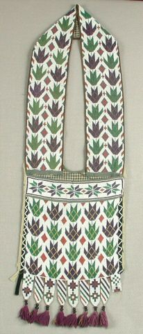 Loom-beaded bandolier bag, possibly Ojibwe or Potawatomi, Wisconsin, late nineteenth or early twentieth century