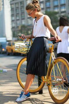 El glorioso retorno de la Midi Skirt