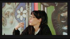Haarlem updates - Nieuws en updates van Haarlem e.o. Toen Helina Guleria in 2019 een zeer inspirerende reis maakte naar India, het land dat deel van haar eigen etnische achtergrond is, kreeg ze als creatieve duizendpoot direct zoveel inspiratie dat ze dit aan het vertalen is naar een duurzaam ontwerp waarin haar missie; de wereld een stuk mooier te maken, onderdeel van is. Haar […] Lees Haarlemse mode ontwerpster Helina Guleria lanceert uniek internationaal textielproject en meer op Haarle Pearl Earrings, Hoop Earrings, Pearls, Jewelry, Pearl Studs, Jewlery, Jewerly, Beads, Schmuck