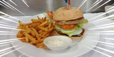 Its a Nitrox Burger Magic Island, Dive Resort, Island Resort, Fun Drinks, Hamburger, Ethnic Recipes, Food, Hamburgers, Burgers