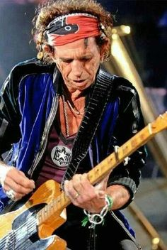 Oh Keith Richards Keith Richards, Mick Jagger, Elvis Presley, Rolling Stones Logo, Rollin Stones, Moves Like Jagger, King Richard, Blues Rock, Lady And Gentlemen