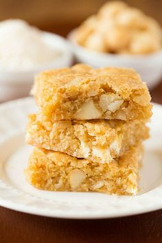 Macadamia Nut, Coconut & White Chocolate Blondies | via Brown Eyed Baker