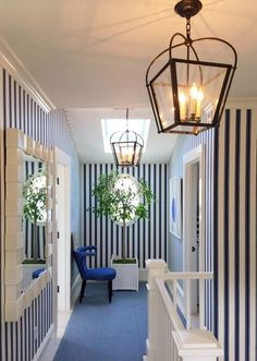 Mark Sikes Blue and White decorated Coastal Idea House Striped Wallpaper Blue And White, Striped Wallpaper Hallway, Hall Wallpaper, Stripped Wallpaper, Striped Walls, Blue Walls, Mark Sikes, Blue Rooms, Blue Wallpapers