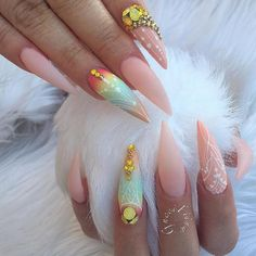 Love it so cute! Amazing summer pointy stilleto nails