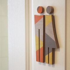 like the geometric muted colors and the layered material used Environmental Graphic Design, Environmental Graphics, Toilet Signage, Toilet Icon, Wc Sign, Wayfinding Signs, Sign System, Restroom Design, Book Sculpture