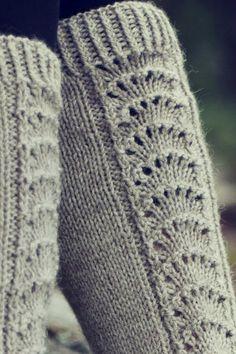 Diy Crochet And Knitting, Crochet Socks, Knitting Socks, Woolen Socks, Sewing Patterns, Crochet Patterns, Knee Socks, Needlework, Weaving
