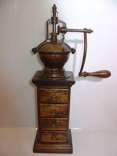 Seltene sehr große Kaffeemühle, Coffee Grinder, moulin à café in Antiquitäten & Kunst, Haushalt, Kaffeemühlen   eBay