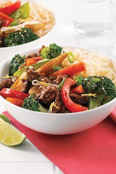 Voyagez en Asie avec ce chop suey au boeuf haché qui se prépare en 5 ingrédients et 15 minutes top chrono. Chop Suey, Stuffed Shells Recipe, Japchae, Mozzarella, Beef Recipes, Meal Planning, Meat, Cooking, Ethnic Recipes