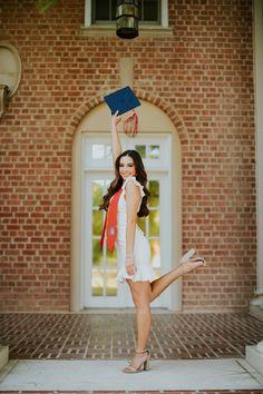 Nursing Graduation Pictures, College Graduation Pictures, Graduation Picture Poses, Graduation Portraits, Graduation Photography, Graduation Photoshoot, Senior Picture Outfits, Grad Pics, Grad Pictures