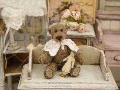 Atelier de Léa (@atelier.miniature) • Photos et vidéos Instagram Childhood, Miniatures, Teddy Bear, Toys, Photos, Instagram, Atelier, Infancy, Pictures