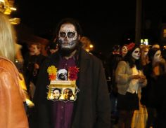 dayofthedead crowd