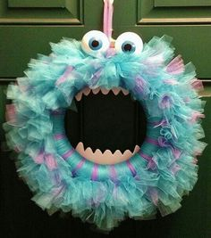 Adornos para Halloween: Corona festiva de Monsters Inc   Ideas para Decoracion