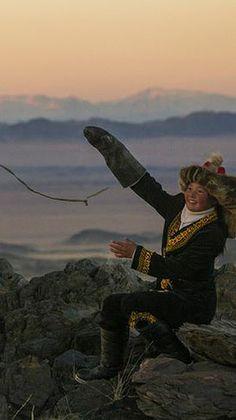 The Eagle Huntress photo by Asher Svidensky (detail)