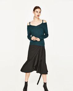Imagem 2 de CAMISOLA COM DECOTE EM V CUT OUT da Zara