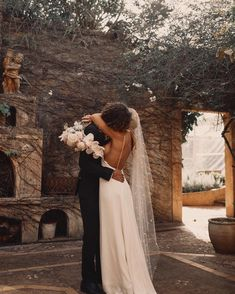 Wedding Photography - scanning for striking photos on snapping a memorable wedding photos? Then stop by the excellent image link number 4940532508 now. Wedding Goals, Wedding Pictures, Our Wedding, Dream Wedding, Hair Pictures, Wedding Planning, Wedding Quotes, Wedding Events, Photo Couple