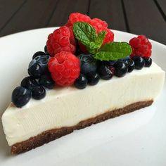 #sernik kokosowy na czekoladowo-orzechowym spodzie  Coconut & chocolate #cheesecake  #fit #instafit #kierunekfitness #siłownia #instagood #gymaddict #gymrat #instafit #fitspo #motivation #gym #absaremadeinthekitchen #dessert #fitness #motivation #foodporn #oreo #chocolate #fitspiration #gymlife #dessert #trecnutrition #cheesecake #foodporn @kierunek_fitness @trecnutrition