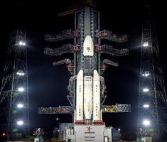 How to watch India's lunar mission launch live Events celebrating the year of Apollo 11 Moon landing are underway, but India is gearing up for its own second mission to the moon. Dubbed the lunar mission… Cosmos, Sistema Solar, Centre Spatial, Les Satellites, Indian Space Research Organisation, Lunar Lander, Apollo 11 Moon Landing, Moon Missions, Planetary Science