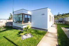 Casa Minimalista. 3 Dormitorios 350 m2 de terreno.