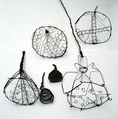 Drawing with Wire - seed outlines resembling hand-drawn illustrations - organic wire drawings; wire art // Steven Follen
