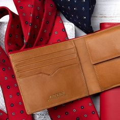 ANTORINI is honored to present you a new fascinating collection of luxury leather wallets ESSENCE in dapper style. Pink Leather, Leather Men, Bracelets For Men, Leather Bracelets, Handmade Leather Wallet, Men's Briefcase, Leather Briefcase, Latest Mens Fashion, Small Leather Goods
