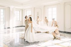 Take wedding photos by fashioning poses with the bride getting help from her bridesmaids before walking down the aisle. Trendy Wedding, Elegant Wedding, Perfect Wedding, Luxury Wedding Dress, Wedding Dresses, Wedding Photography Checklist, Photography Ideas, Party Photography, Italian Wedding Venues