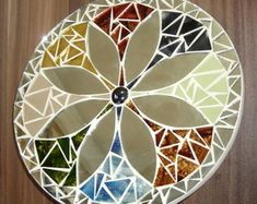 Mirror Mosaic, Mosaic Wall, Mosaic Glass, Mosaic Tiles, Stained Glass, Mosaic Crafts, Mosaic Projects, Mirror Painting, Dot Painting