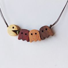 Kunsthandwerk Olive - Kunsthandwerk Olive - Jewelry - I give to you personally what was promised, but better yet; Wooden Necklace, Wooden Jewelry, Handmade Jewelry, Small Wood Projects, Scrap Wood Projects, Wooden Gifts, Wooden Art, Wood Carving Designs, Wood Carving Art