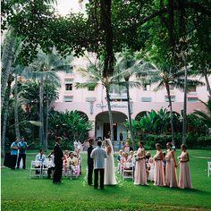 The Royal Hawaiian Pink Palace, Oahu / 25 Impossibly Beautiful Wedding Locations In Hawaii