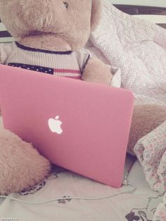 Pink Mac Case *__* ♥ PIIIIINK Mine is silver and it looks just like this, boo hoo, I want it in pink! Pink Love, Pretty In Pink, Pastel Pink, Pink Purple, Just Girly Things, Girly Stuff, Pink Stuff, Pink Things, Macbook Case