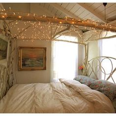 Lit Natural Canopy Bed