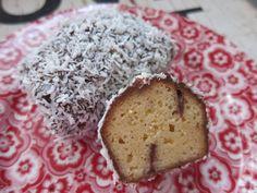 Low Carb Rezepte von Happy Carb: Low Carb Wawuschel - Du kennst Wawuschel noch nicht? Dann wird es aber allerhöchste Zeit für die leckeren kleinen Kuchen.