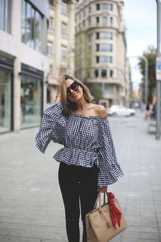 Oversize Round Circle Pointed Cat Eye Sunglasses 9180 in 2020 Off Shoulder Outfits, Beautiful Outfits, Cute Outfits, Look Casual, Latest Fashion Trends, Fashion Tips, Autumn Winter Fashion, Dress To Impress, Spring Outfits