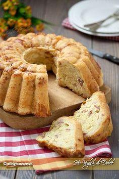 Babà rustico napoletano una ciambella rustica lievitata, saporita con formaggi e salumi. Ricetta ideale per buffet, cene e compleanni. Facile è buonissimo