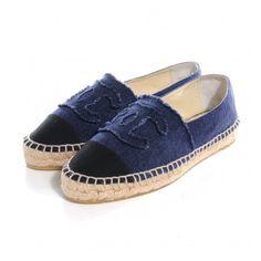 CHANEL Denim Espadrilles Blue Black 39 ❤ liked on Polyvore featuring shoes, denim flats, chanel footwear, espadrille shoes, cap toe shoes and flat shoes
