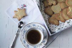 CAPPUCCINO ADDICTED: Il mio natale vintage con HeyFoo e ricetta dei biscottini dolci