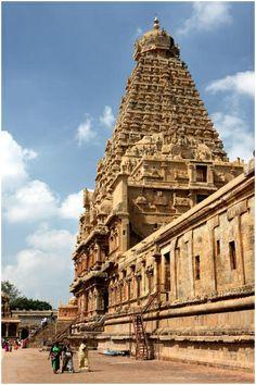 Sri Brihadeeshwara temple, Thanjavur, Tamil Nadu, India. #india #travel #destinations #places
