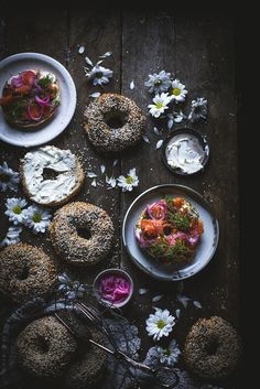 Best and Easy Bagels with Sea Salt Flakes and Poppy Seeds - Nordic Violet Sea Salt Flakes, Big Bowl, Palak Paneer, Tray Bakes, Poppies, The Help, Seeds, Brunch, Tasty