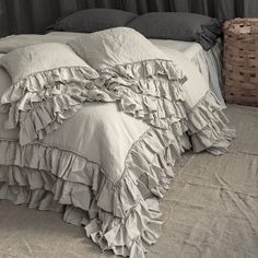 Shabby Chic linen ruffled duvet cover with ruffles. Softened and washed linen. MOOshop new colors. Best Duvet Covers, Luxury Duvet Covers, Duvet Cover Sets, Luxury Bedding, Beige Bedding, Baby Bedding, Ruffle Duvet, Linen Duvet, Bed Linen Sets