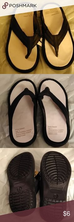 b6b2a7e352212 Ladies Bobbie Brooks Black Flip Flops Size 6 These flip flops are new with  tags.