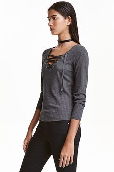 Shop online for affordable women's tops at H&M, from tanks, t-shirts and camis to dressy going-out tops. Going Out Tops, Fashion Online, Style Me, Kids Fashion, Feminine, Crop Tops, Casual, Mens Tops, How To Wear