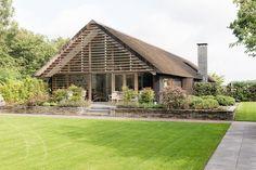 Modern European Home by Kwint Architecten (Architecture) Romantic Cottage, Shabby Cottage, Shabby Chic, Long House, Barn Renovation, European Home Decor, Forest House, Modern Barn, Modular Homes