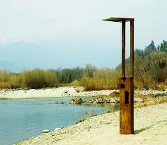 da-tender-rain-la-colonna-doccia-menhir-design-luca-sacchetti-01